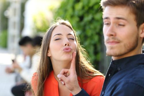 9 điểm bất thường phụ nữ thấy đàn ông hấp dẫn - 2