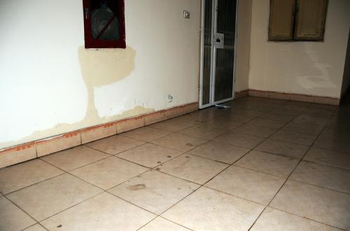 Chọn sàn gỗ hay sàn gạch với thời tiết nồm những tháng sau Tết Âm (bài xin Edit)