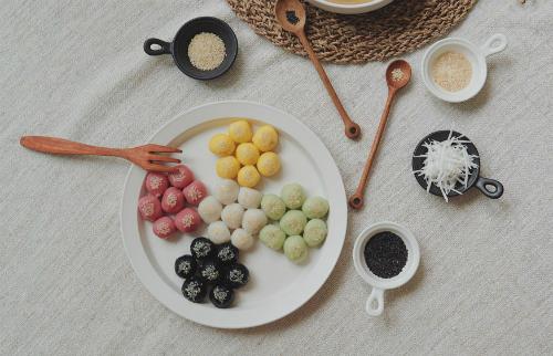 Bánh trôi chay ngũ sắc đón ngày Tết Hàn thực - 12