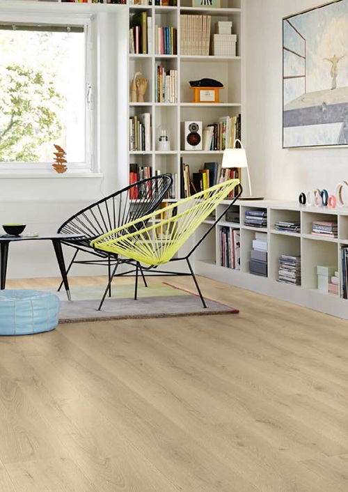 Sàn gỗ bền chắc, không co ngót, cong vênh làm tăng vẻ đẹp thẩm mỹ cho căn phòng.