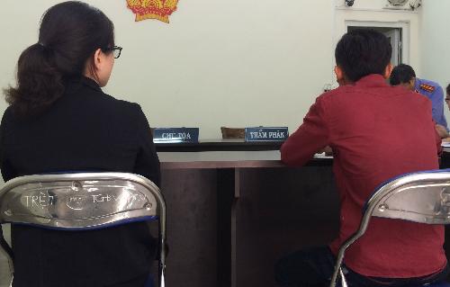 Suốt hơn 3 năm qua, chị Hương luông thấy, việc mình đưa con rời khỏi nhà chồng là đúng và thấy hạnh phúc với cuộc sống hiện tại. Ảnh: Phan Thân