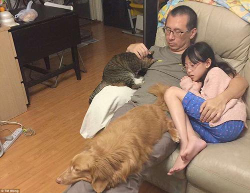 Gia đình nổi tiếng khi chia sẻ ảnh chụp 10 năm ở cùng một vị trí - 4