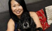 Nữ tiếp viên hàng không tốn 20.000 đôla chữa bệnh cho chó cưng