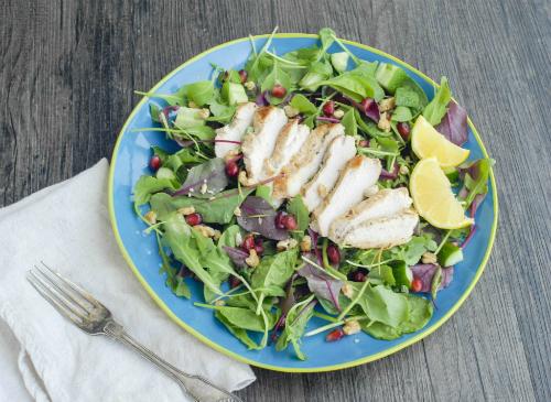 Salad thịt gà nhanh gọn cho ngày nghỉ