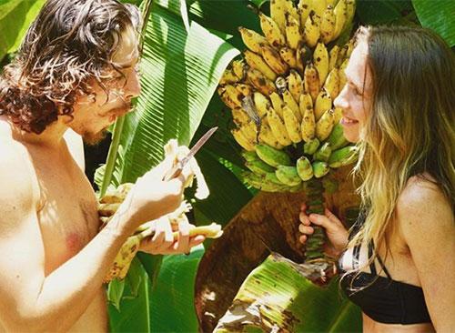Freelee tận hưởng cuộc sống thảnh thơi trong rừng bên bạn trai. Ảnh: Instagram.