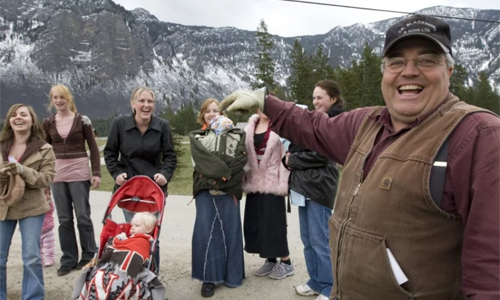 Winston Blackmore cùng một số vợ con của mình. Ảnh: AFP.