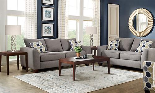Bàn trà, bàn để cạnh sofa hay thảm là những chưa phải mua ngay lập tức khi có nhà mới. Ảnh minh họa: Roomtogo.
