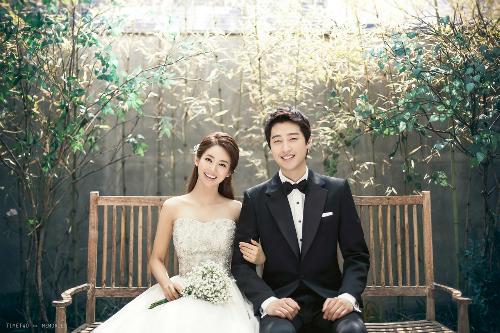 Thay vì vung tiền cho đám cưới, tốt hơn nên tiết kiệm cho kỳ trăng mật để hôn nhân bền lâu hơn. Ảnh:OneThreeOneFour.