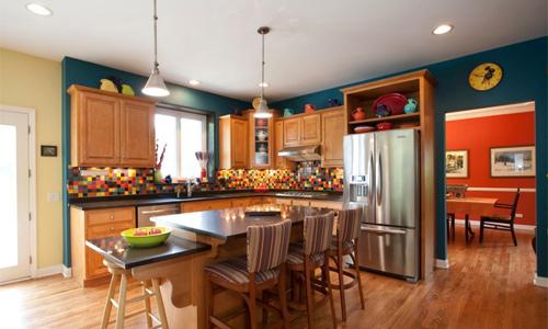 Các phòng trong nhà nên có sự liên kết về màu sắc hoặc kiểu dáng đồ dùng. Ảnh minh họa: Freshome.