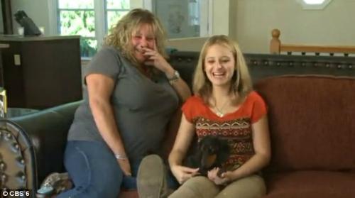 Chị Paula cùng con gái nuôi Callie. Mặc dù muốn nuôi con gái ruột nhưng đến nay chị đã thất bại trong việc gần gũi con.