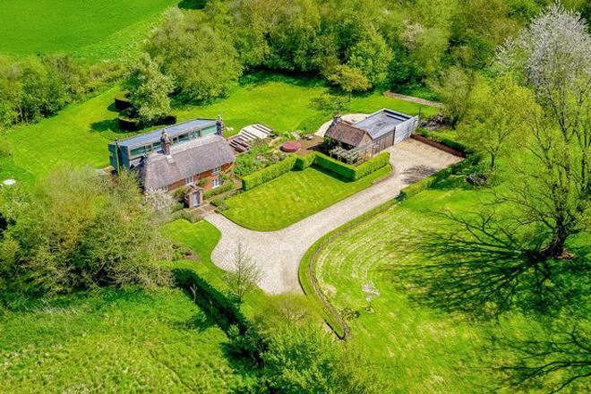 Lý do ngôi nhà thôn quê được rao bán 2,6 triệu USD