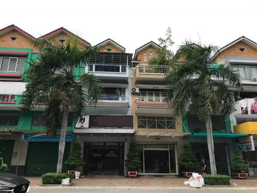 Cơn sốt bất động sản tạm dừng nhưng giá nhà đất tại TP HCM chỉ đứng lại chứ ít có khả năng giảm - Ảnh: HA