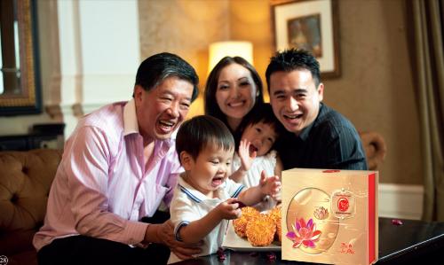 Bánh truyền thống được làm bằng nguyên liệu giản dị, gần gũi như đỗ xanh, lạc, vừng, thịt lợn