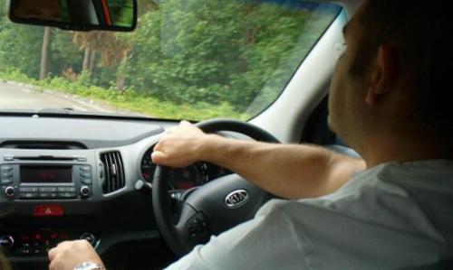 Nhiều người hào hứng khi mua ôtônhưng khi sử dụng mới nhận ra xe không hữu dụng như mình tưởng. Ảnh: BT.