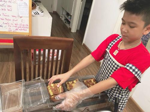 Nữ giám đốc Hà Nội bắt con tự kiếm tiền mua điện thoại, xe đạp - 1