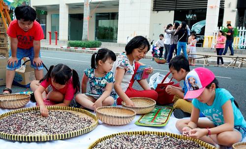 Khu trò chơi dành cho các em thiếu nhi để giải trí, rèn luyện tính kiên nhẫn, kết nối các thành viên trong gia đình.