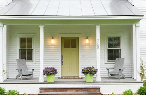 Tấm thảm chùi chân dày và sang trước nhà để lại ấn tượng xa xỉ cho ngôi nhà bạn.