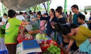Gần 10.000 người TP HCM tham quan, mua sắm sản phẩm xanh