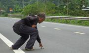 Đội quân nhặt tiền lẻ trên xa lộ Lạng Sơn