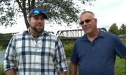 Anh tài xế xe tải bất ngờ phát hiện đồng nghiệp thân là bố ruột