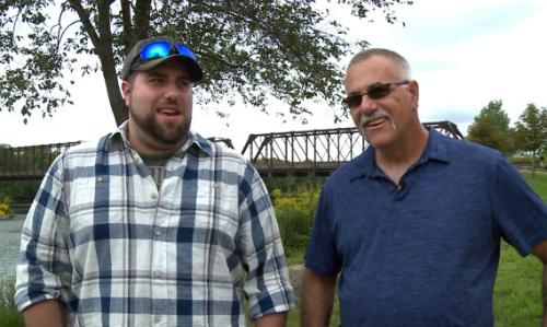Boos và Degaro đều bối rối với cách xưng hô mới khi phát hiện là cha con của nhau sau 2 năm làm việc chung. Ảnh: Twincities.