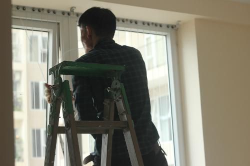 Sửa sang lại căn hộ mới dọn về ở, chị Linh thấy thoải mái hẳn so với cảnh chịu gò bó khi sống ở ngôi nhà cũ. Ảnh: TL.