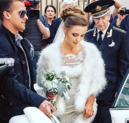 Ivan và Natalia cưới khi chú rể 84 còn cô dâu 24 tuổi - Ảnh: CEN.