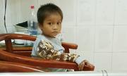 Em bé Hà Giang ngủ đêm giữa đường đã xuất viện