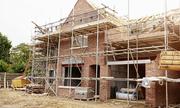 Vợ chồng tôi mắc kẹt vì dồn tiền xây nhà với bố mẹ nhưng không thể ở chung