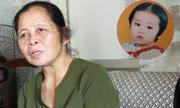 Bà trông trẻ bất đắc dĩ phải nuôi con chủ suốt 15 năm