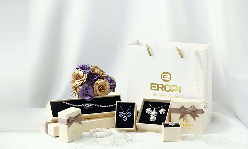Eropi Jewelry có hơn 1.300 sản phẩm thiết kế độc đáo.