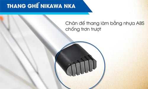 Sản phẩm có chân đế làm bằng nhựa ABS chống trơn trượt, giúp khách hàng thoải mái sử dụng dù trong trời mưa.