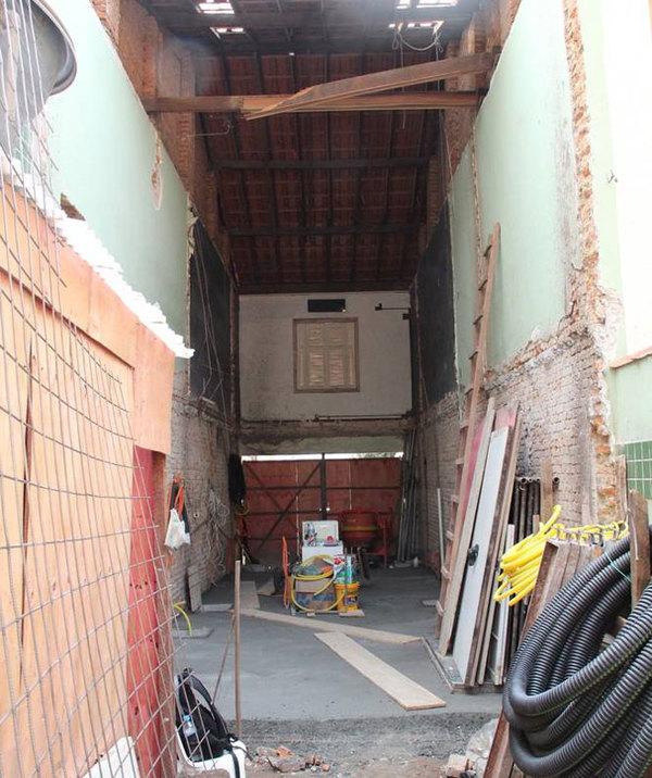 Khác biệt trước và sau sửa ngôi nhà ống cũ nát