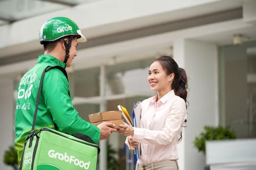 GrabFood là ứng dụng đặt cơm mà Grab phối hợp cùng các đối tác nhà hàng, quán ăn tạo nên.