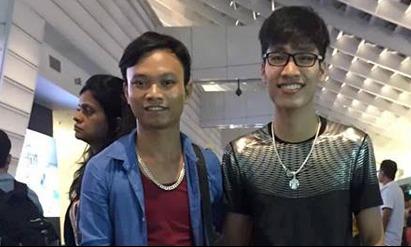 Nguyễn Văn Lợi và người đồng nghiệp tên Vũ Dương. Ảnh: NVCC.