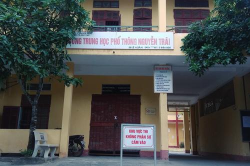 Trường THPT Nguyễn Trãi nằm trên đường Lê Hoàn, TP Thanh Hóa - nơi 7 học trò lập nhóm Facebook nói xấu thầy cô vừa bị kỷ luật. Ảnh: Lê Hoàng.