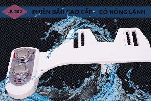 Vòi rửa vệ sinh thông minh Luva Bidet LB201 sản xuất trên dây chuyền công nghệ Hàn Quốc, đảm bảo độ bền và bảo hành trong 3 năm. Khách hàng còn được tặng  01 vòi sen tăng áp Luva VS3 trị giá 168.000 đồng khi mua hàng tại Shop VnExpress.
