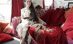 Người phụ nữ 26 năm không cắt tóc để thành 'công chúa tóc mây'