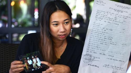 Bức ảnh kèm giấy khai sinh lúc Châu đăng thông tin tìm mẹ. Ảnh: NVCC.