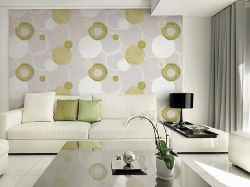 Trang trí tường phòng khách bằng vải dán tường. Ảnh: Cát Mộc.