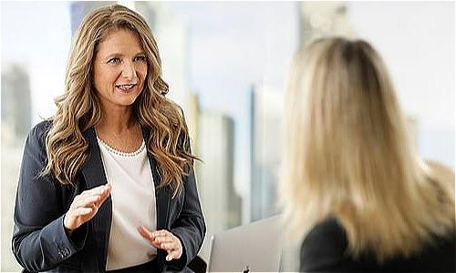 Chuyên gia tư vấn tài chính 51 tuổi Helen Baker nói rằng rất nhiều phụ nữ không hề chuẩn bị trước cho mình về tiền bạc trước khi ly hôn nên dễ khủng hoảng sau đó.Ảnh: Supplied.