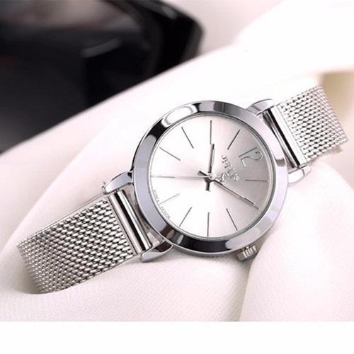 Đồng hồ nữ JA-732D Julius Hàn Quốc dây thép màu bạc: còn 500.000 đồng (giá gốc 1,65 triệu đồng). Đồng hồ với thiết kế trẻ trung, sang trọng, phù hợp với nữ sinh viên, nhân viên văn phòng, doanh nhân.
