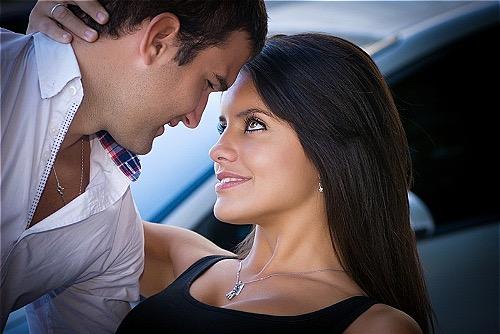 Người chồng phải cầu cứu vì lúc nào cũng bị vợ mình hấp dẫn như lần đầu dù đã kết hôn 8 năm.Ảnh:Aljamila.