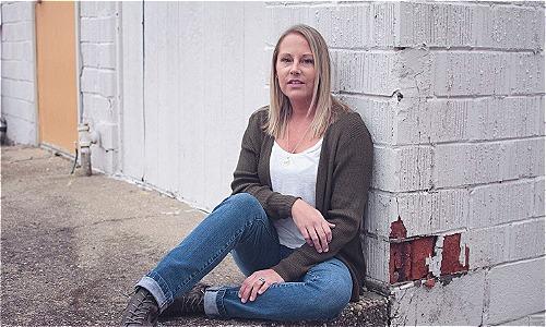 Chị Jacoba Ballard cảm thấy mẹ mình bị xâm phạm nghiêm trọng khi vị bác sĩ chữa vô sinh dùng tinh trùng của ông ta để thụ tinh cho bà. Ảnh: The Washington Post.
