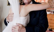 Cô dâu sững sờ nhận ra tình một đêm ngày xưa giờ là bố chồng