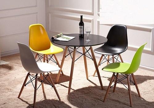 Ghế Eames chân gỗ DSW (nhiều màu): còn 499.000 đồng (giá gốc 590.000 đồng), miễn phí giao hàng toàn quốc. Ghế Eames có kiểu dáng sang trọng, hiện đại, dễ dàng thích ứng với nhiều không gian nội thất khác nhau.