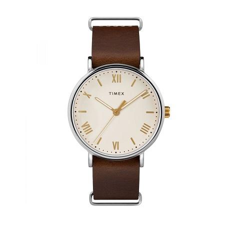 Đồng hồ nam Timex Southview 41mm nâu 1,2 triệu đồng.. Được mệnh danh là đồng hồ Thụy Sỹ của Mỹ, đồng hồ Timex gây ấn tượng mạnh với tính năng đèn nền INDIGLO và thiết kế đơn giản nhưng thanh lịch, sang trọng.