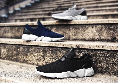 Giày sneaker classicalthương hiệuZapas119.000 đồng (385.000 đồng). Chất liệu vải sợi cao cấp, mềm mại, không mang đến cảm giác đau chân khi phải di chuyển nhiều.