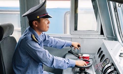 Chàng lái tàu ở Nha Trang vỡ òa khi trúng 1,5 tỷ đồng - 1