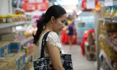 Đi siêu thị mua đồ ăn là công việc tốn nhiều thời gian và công sức - Ảnh: Shutterstock